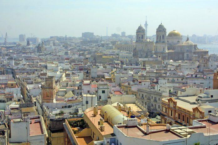 Solicita el bono turístico y viaja por Andalucía con un 25% de descuento